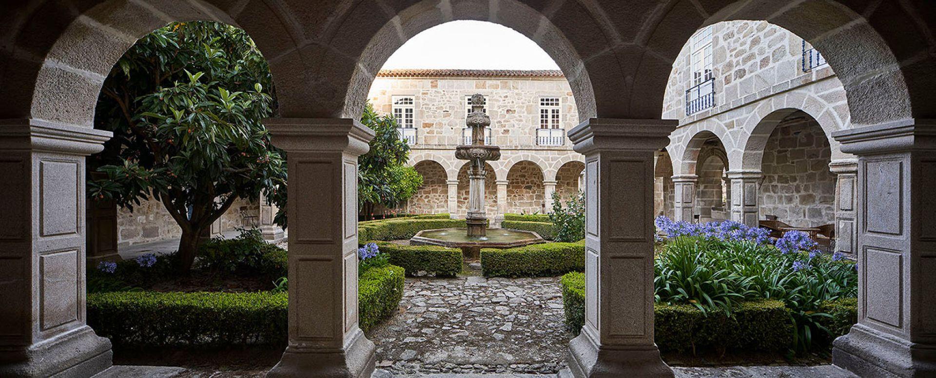 Mosteiro de São Pedro das Águias